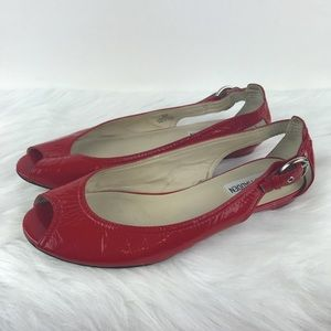 Steve Madden Red Patent Peep Toe Flats 6.5
